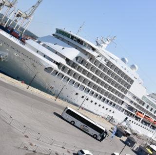 Vojaška in potniška ladja na obisku v Kopru