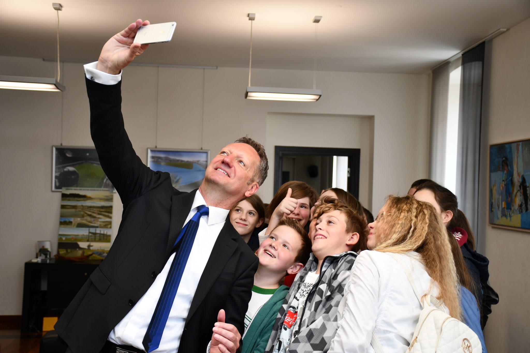 VSAKO LETO ENA ŠOLA: Župan Boris Popovič v 15 letih županovanja uredil 15  od 15 osnovnih šol!