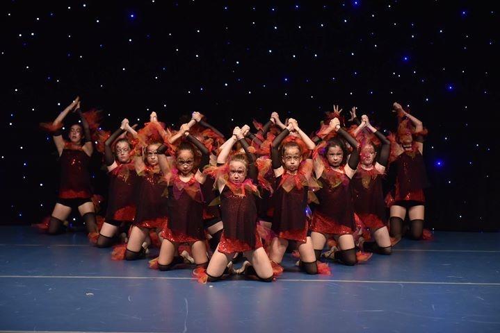 Uspešne plesalke Plesnega studia Petra