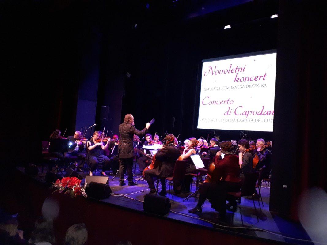 Novoletni koncert Obalnega komornega orkestra navdušil