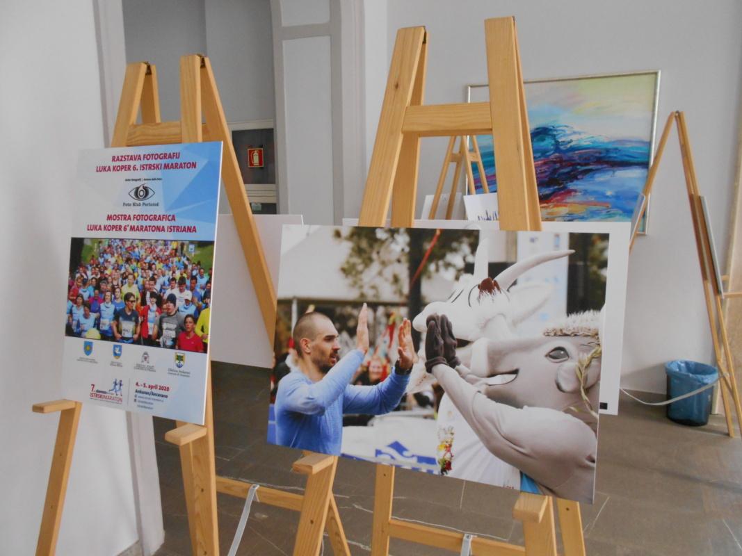 V avli MOK razstava fotografskih utrinkov 6. Istrskega maratona